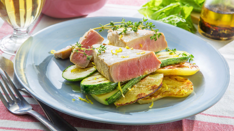 Tuna appetizer with zucchini and potato