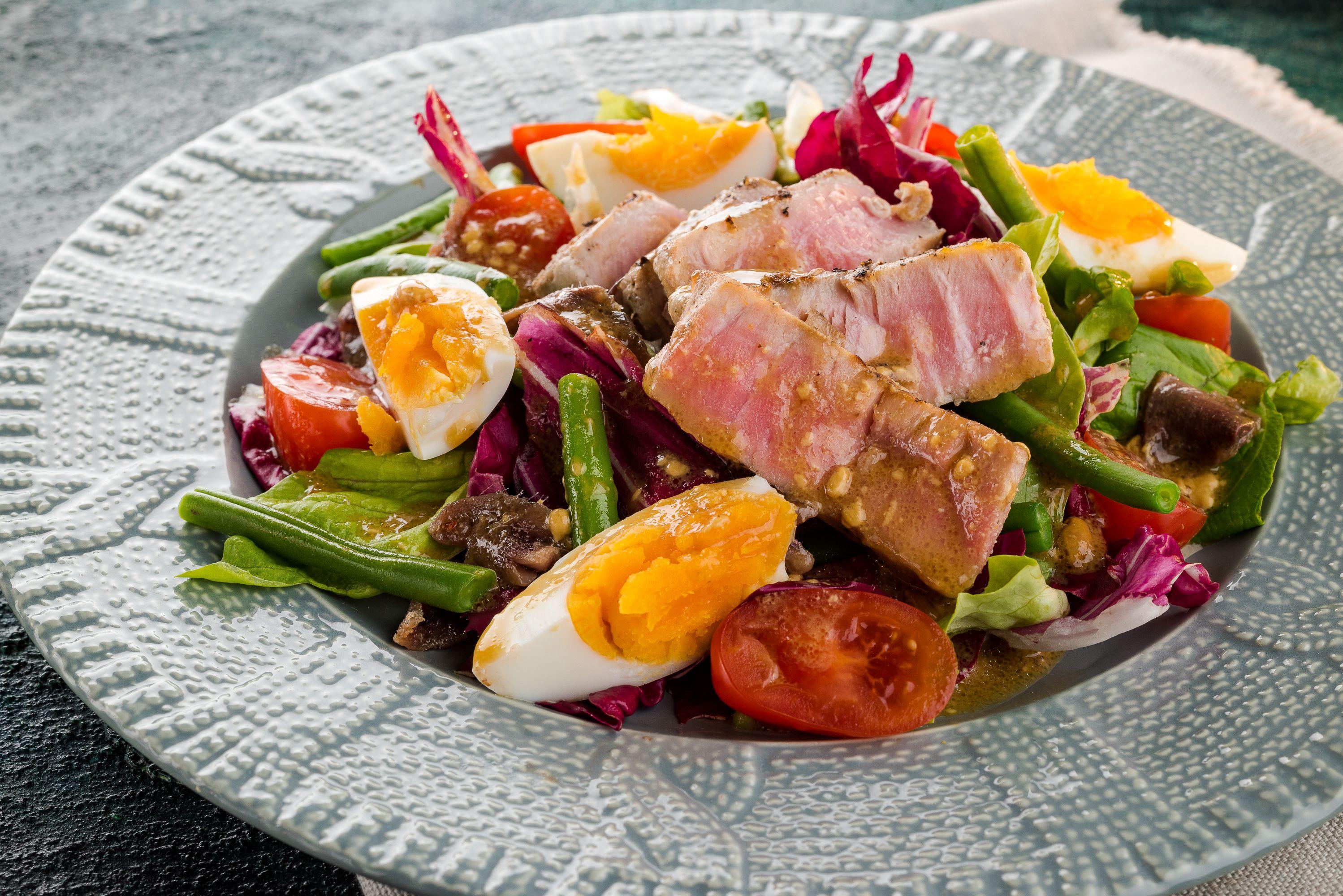 Nicoise salad with grilled tuna